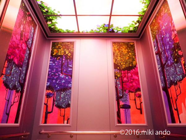東京ディズニーセレブレーションホテル「ウィッシュ」エレベーター