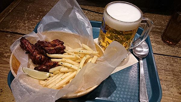大宮駅ナカでお酒が飲めるオシャレカフェ「サルバドル」ビールとチキン