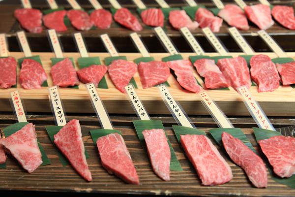 飛騨高山で飛騨牛33種盛りが食べたい!