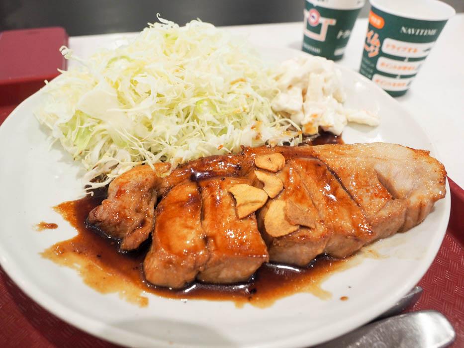 新東名・浜松SA とん楽で「魔法のタレ」がかかった絶品トンテキを!