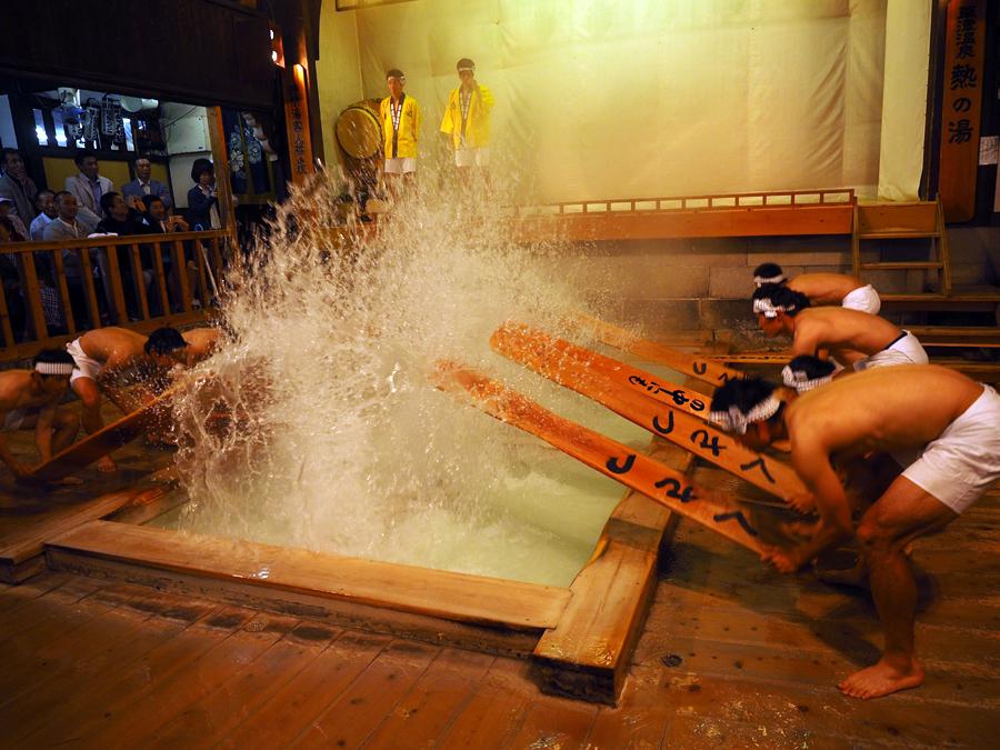 草津温泉 熱の湯でゆもみくんが大人気