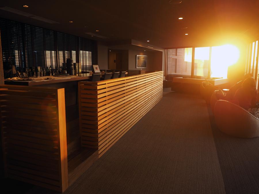 夕日に染まる千葉のリゾートホテル「ゆうみ」